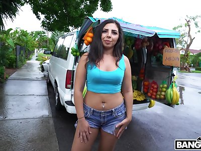Quickie fucking with ass labelling for curvy Latina Luna Leve