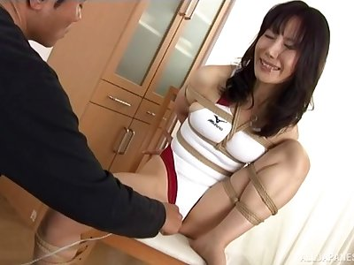 Kinky Japanese dude tied up his sexy Japanese girl for sex