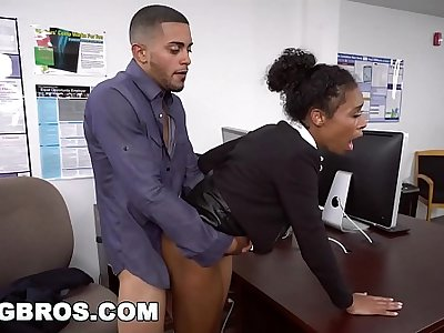 BANGBROS - Chunky Tits Ebony Babe Ivy Young Gets Ahead In The Office