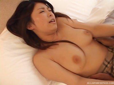Fit Asian girlfriend Mimi Kousaka moans at near sensual sexual intercourse