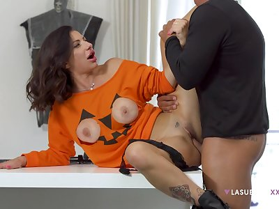 Priscilla Salerno's cute tits pop out be useful to a Halloween top before sex