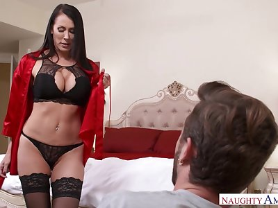 Good-looking MILFie housewife just loves flashing her curves and fucking doggy