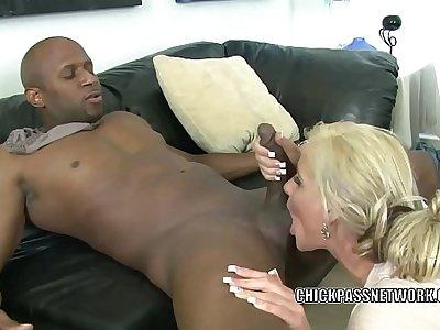 Blonde MILF Phoenix Marie is nailing a guy she unaccompanied met