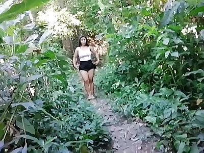 cuando llevas a tu cuñada a la montaña y de plano te la quieres cojer.1 parte
