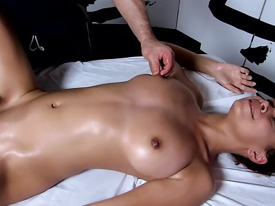Tantric Massage 96 - 18 Year Old Has Sensitive G Spot Orgasms Fucks Masseuse