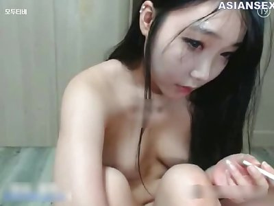 Satisfying Chinese brunette likes casual sex in a doggy style position, speed the camera