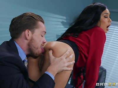 Buttplugged office lady Aaliyah Hadid gets the brush asshole fucked by the brush boss