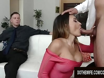 Pounding Busty Wife Claudia Valentine Right Be guided by to Her Cuckold Hubby